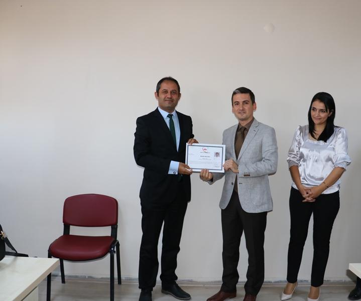 Öğretmen ve idarecilere teşekkür belgeleri verildi