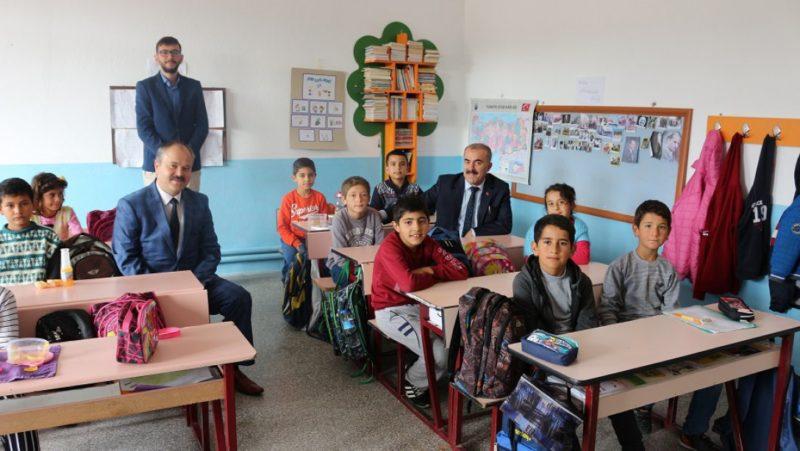 Demir Ürgüp ve Derinkuyu'da okul ziyaretlerinde bulundu