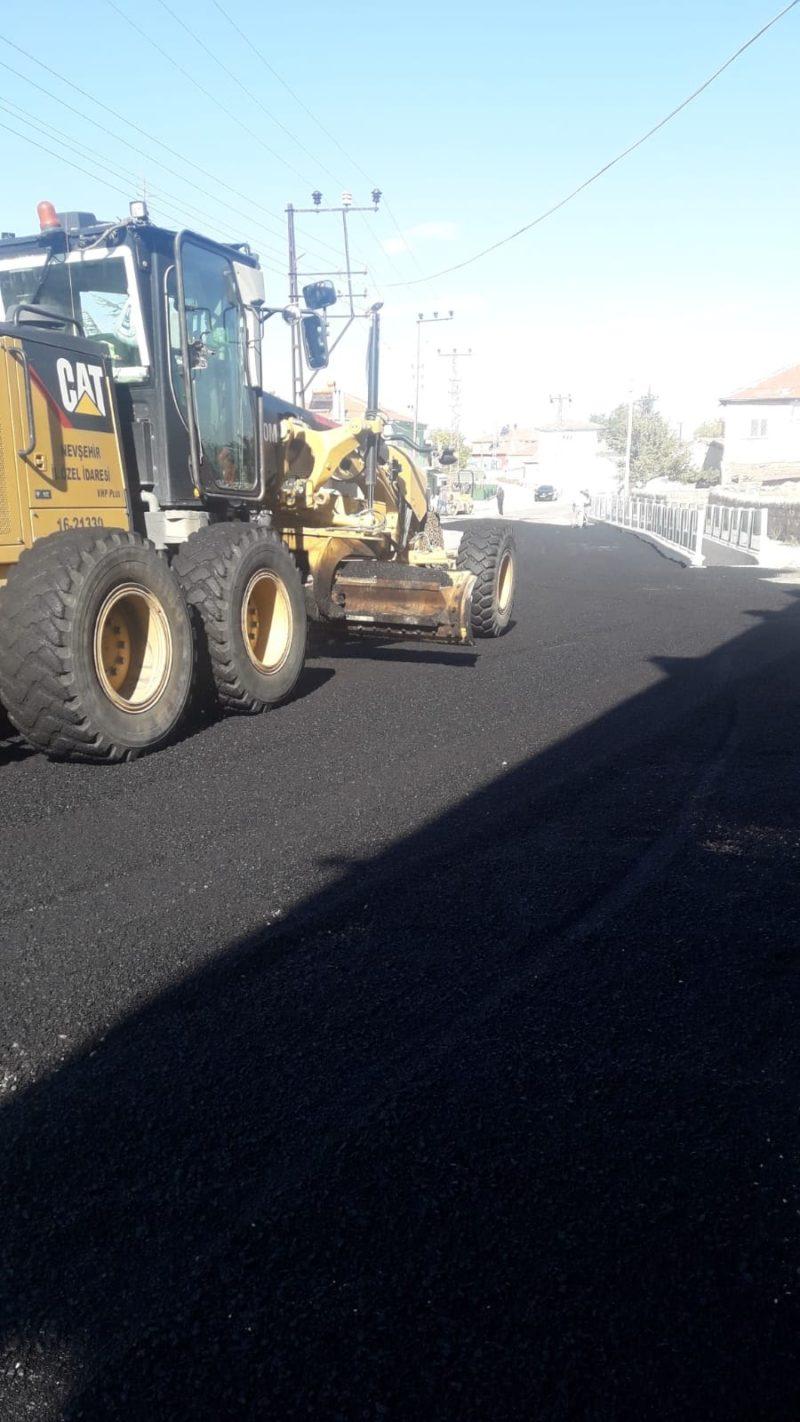 Kalaba da yol asfaltlama çalışmaları sürüyor