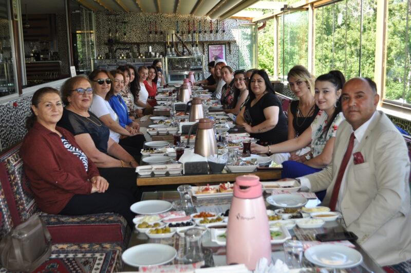 Başkan Adayı Demir Millet İttifakının kadınlarıyla bir araya geldi