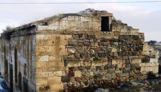 Özlüce'deki Rum kilisesi restorasyon bekliyor