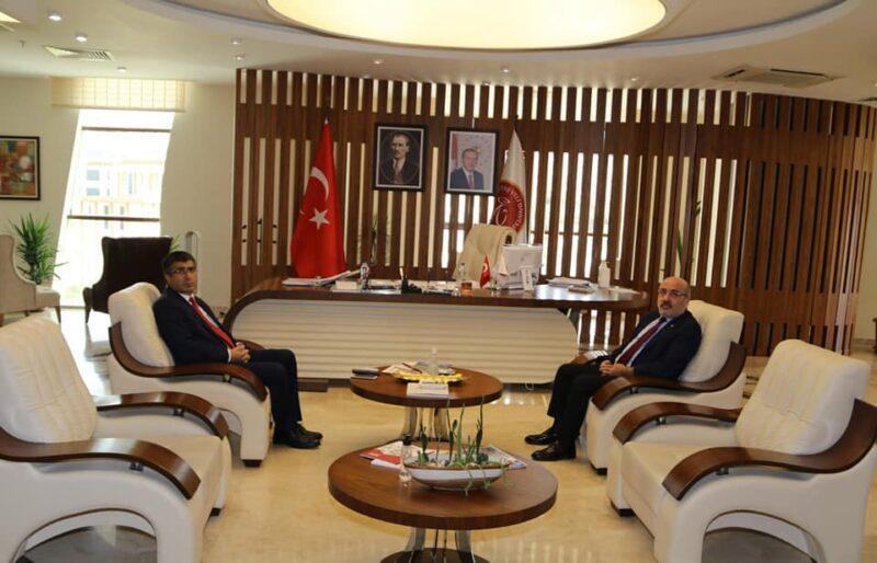 Kayseri Üniversitesi Rektörü Karamustafa'dan Rektör Aktekin'e Ziyaret